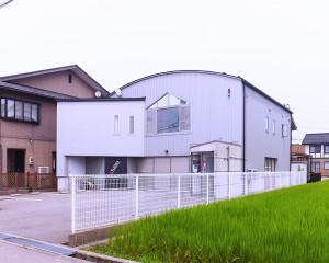 LFI-exterior-1-2